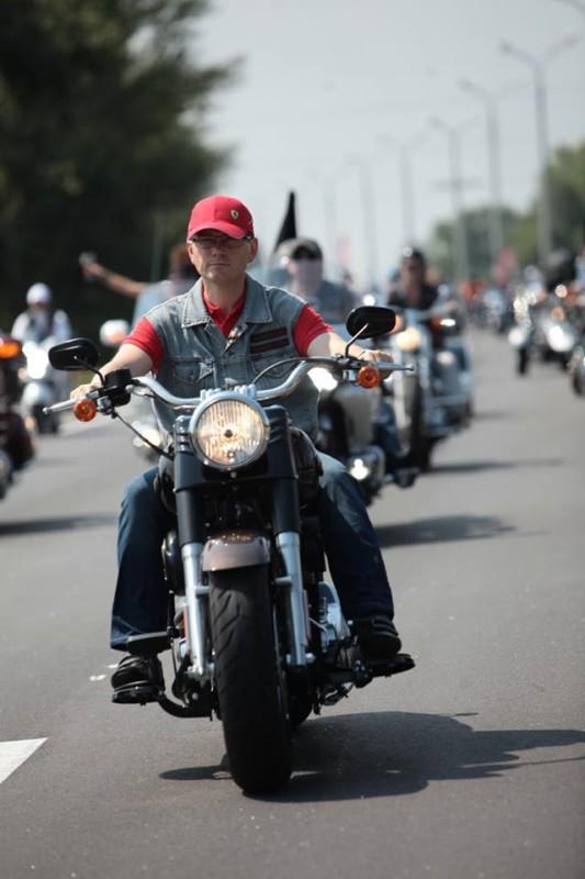вилкул на мотоцикле